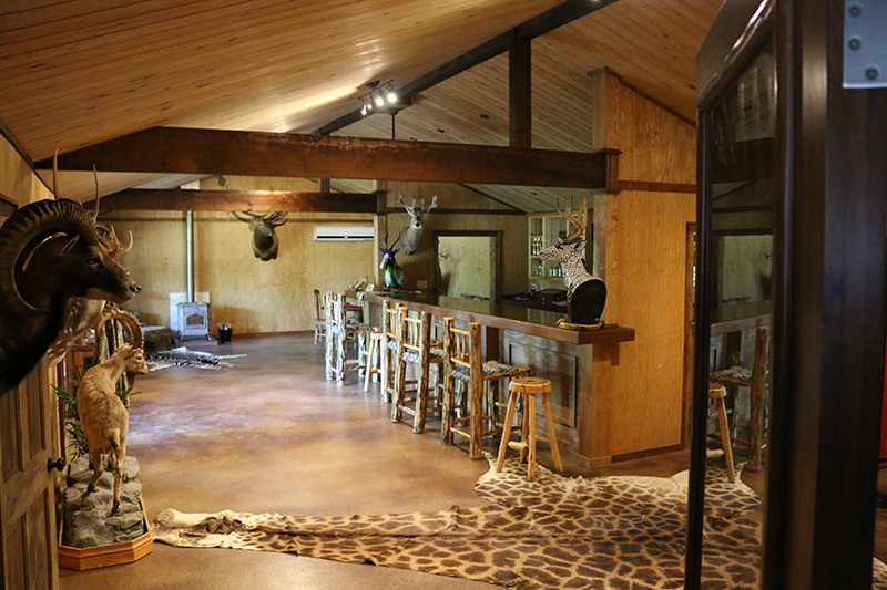 Texas Hunt Lodge Bar